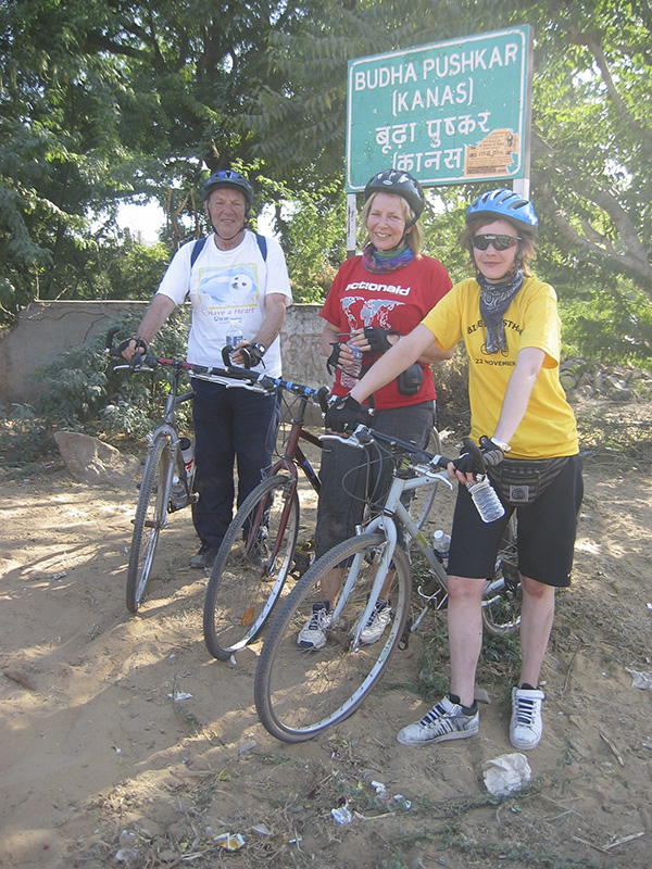 Charity bike ride in Rajasthan, William Wynne Willson with his daughter Ruth and granddaughter Joey, 2005